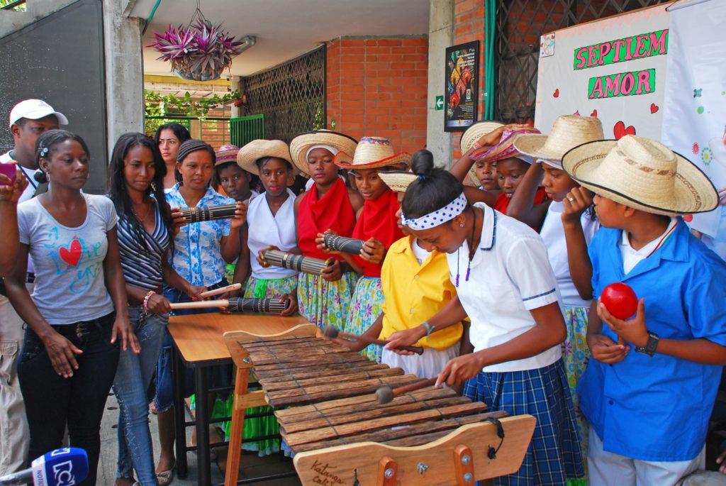 Apoyamos la conservación musical de los ritmos del pacífico